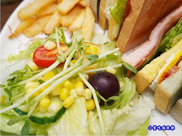 水果沙拉-fun晴輕食餐廳.jpg