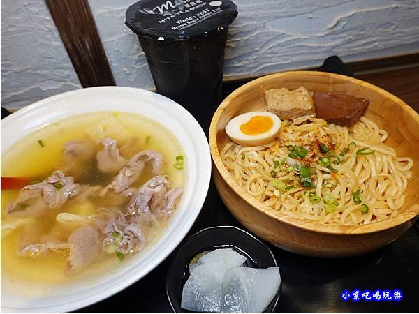 清燉豬肉湯-川師傅功夫麵舖台中大遠百 (4).jpg