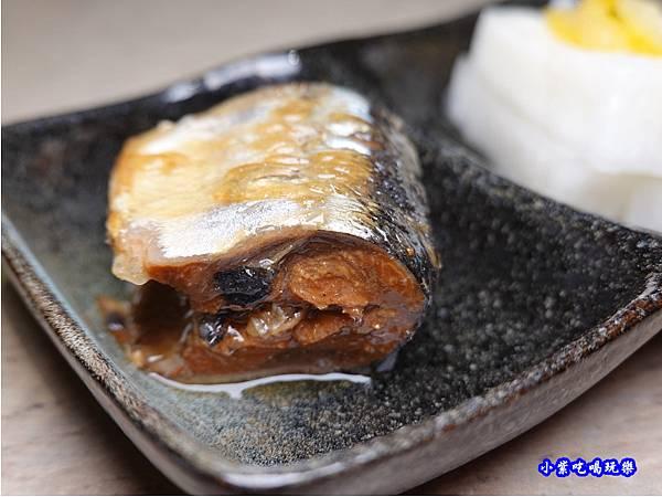 秋刀甘露煮搭柚子蘿蔔-竹北-橫丁六八屋 (2).jpg