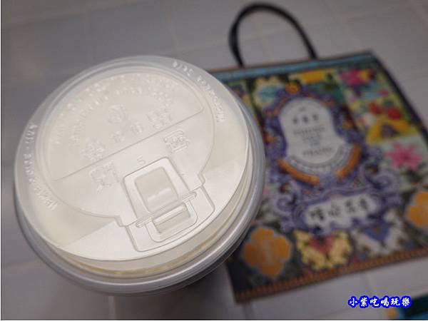 日日紅茶雪岩-清水茶香饒河店 (4).jpg