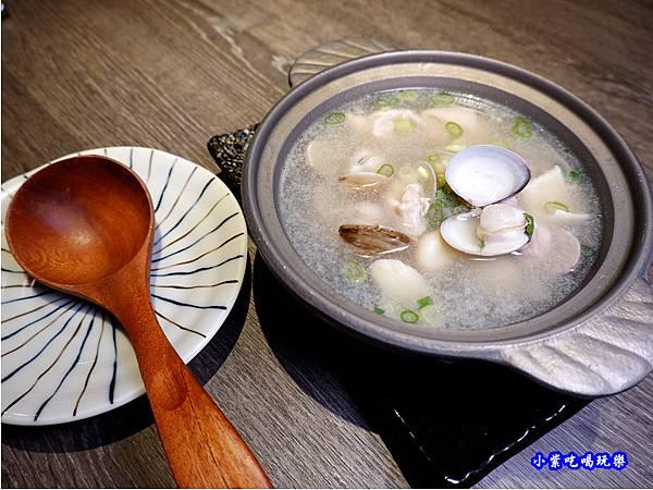 蒜頭蛤蜊雞-大河屋中壢大潤發 (3).jpg