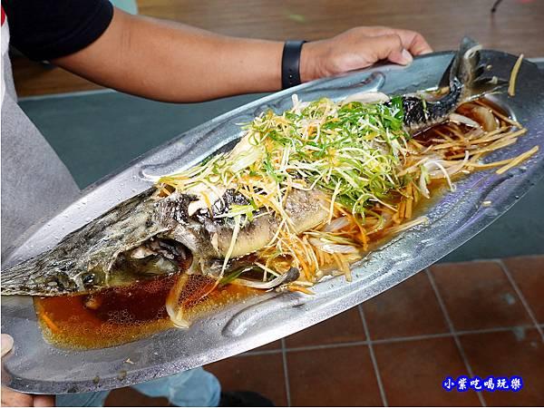 清蒸鱘龍魚-山雞城庭園餐廳 (4).jpg