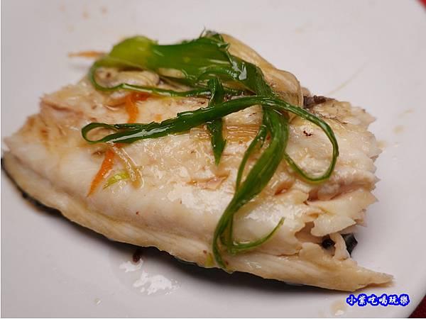 清蒸鱘龍魚-山雞城庭園餐廳 (5).jpg