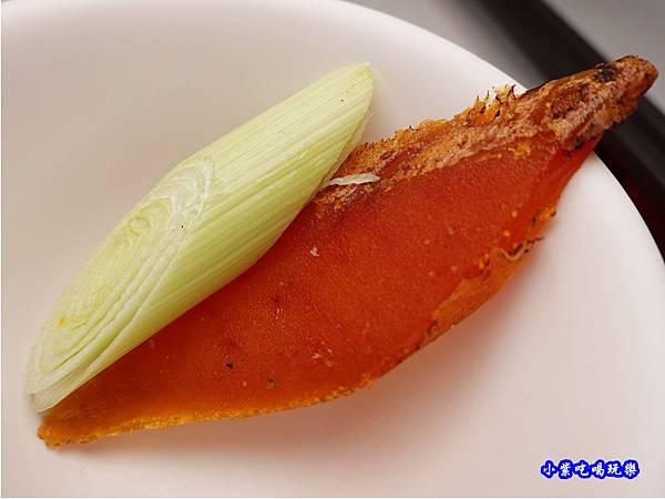 蒜苗烏魚子-山雞城庭園餐廳  (2).jpg