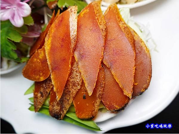 蒜苗烏魚子-山雞城庭園餐廳  (3).jpg
