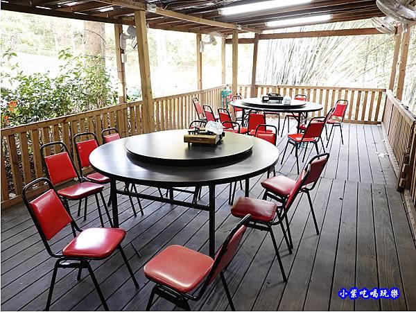 觀景台用餐區-山雞城庭園餐廳.jpg
