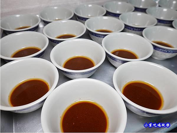 自製沙茶醬-洪金小紅莓自助式石頭火鍋城.jpg