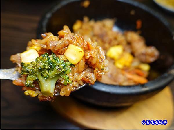 辣味石鍋豬肉拌飯-瑪西所靜宜店  (5).jpg