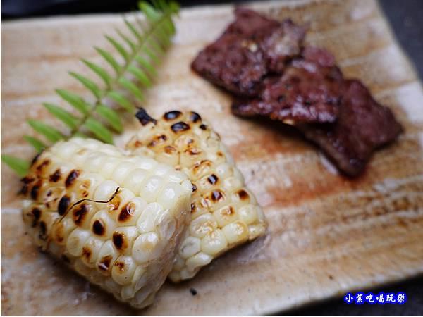 水果玉米-火之舞和牛燒烤吃到飽桃園店.jpg