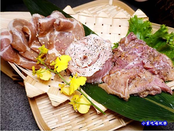豬肉盤-火之舞和牛燒烤吃到飽桃園店.jpg
