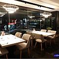 二樓用餐環境-西堤牛排南華店 (4).jpg