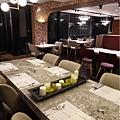 二樓用餐環境-西堤牛排南華店 (5).jpg