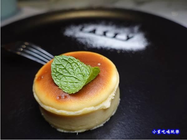 巴斯克乳酪蛋糕-西堤牛排南華店  (1).jpg