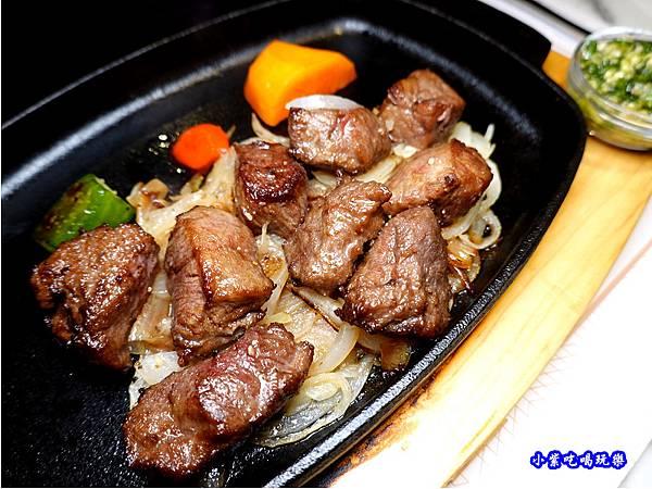 肉肉控鐵板牛排-西堤牛排南華店  (2).jpg