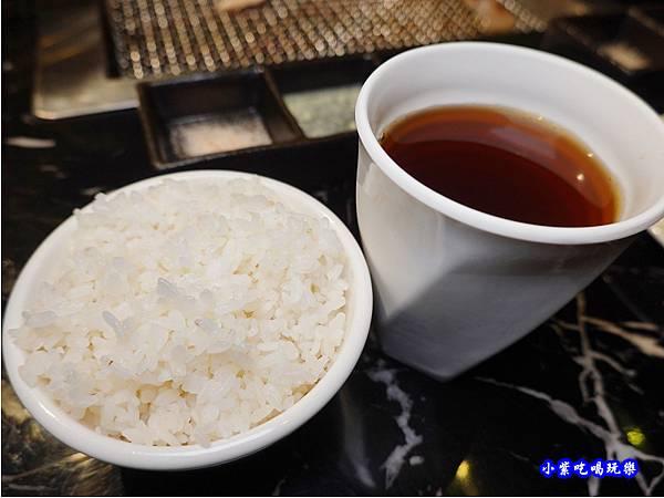 鹹濕米-糧薪客棧.jpg