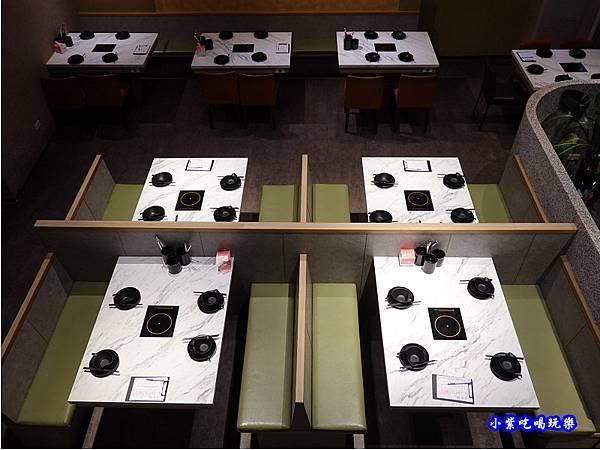 一樓用餐環境-連進酸菜白肉鍋吃到飽 (6).jpg