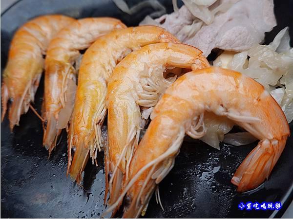 小鮮蝦-連進酸菜白肉鍋吃到飽.jpg