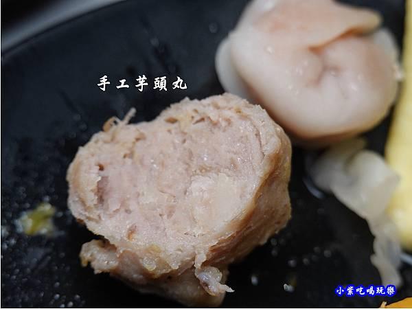 芋角鮮肉丸-連進酸菜白肉鍋吃到飽.jpg
