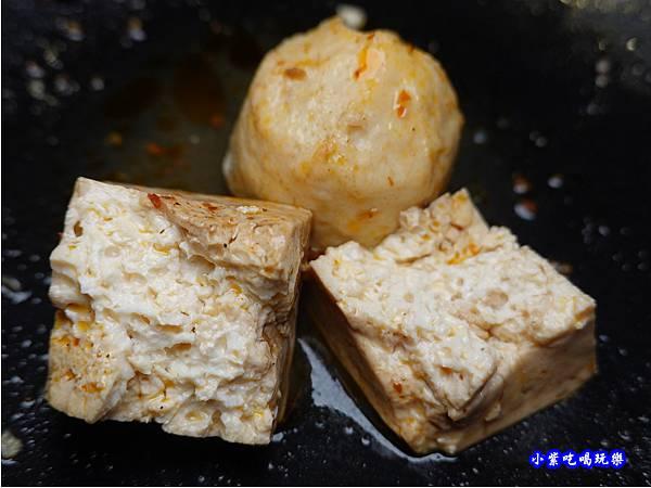 麻辣豆腐-連進酸菜白肉鍋吃到飽.jpg