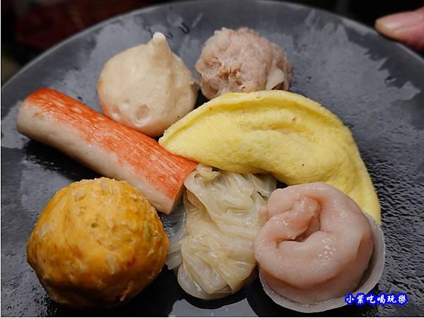 酸菜白肉湯鍋物-連進酸菜白肉鍋吃到飽.jpg