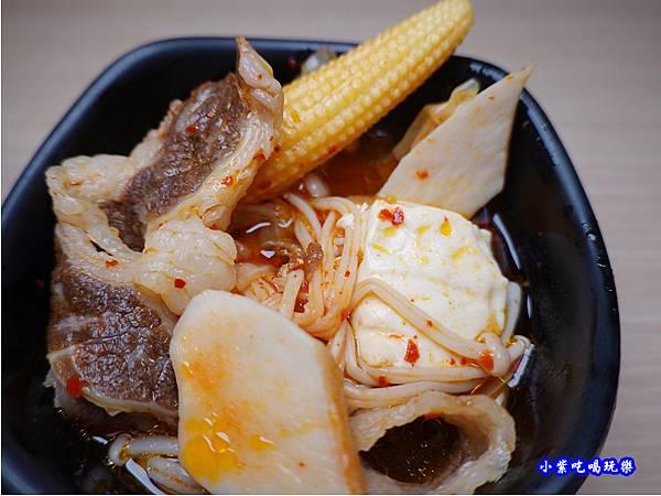 牛肉泡菜豆腐鍋-肉鮮生韓式烤肉吃到飽沙鹿店  (2).jpg