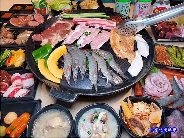 合照-肉鮮生韓式烤肉吃到飽.jpg