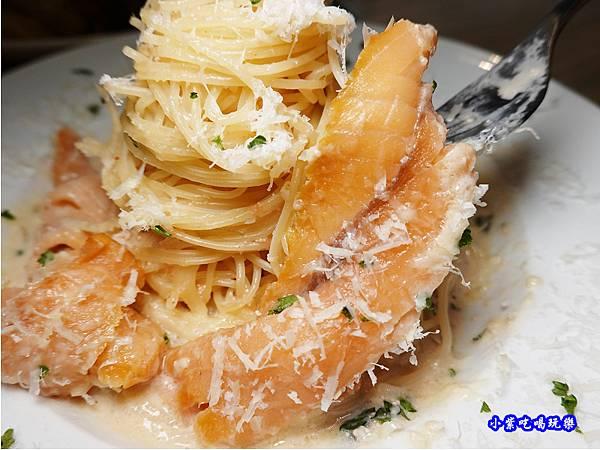 白醬冷醺鮭天使麵-樂野食 (1).jpg