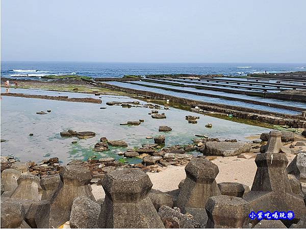 右邊潮間帶、九孔養殖池-馬崗漁港 (2).jpg