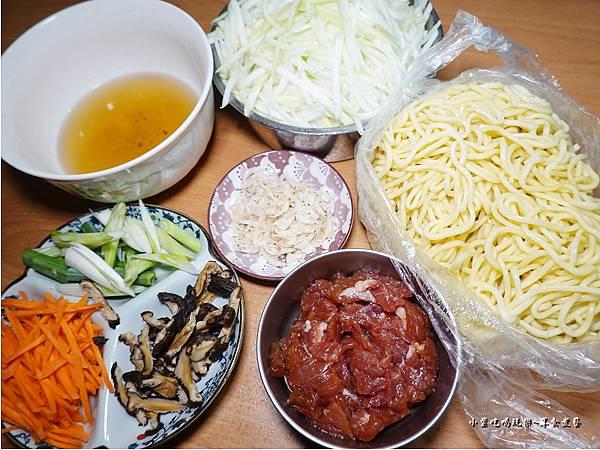 蒲仔炒麵食材.jpg