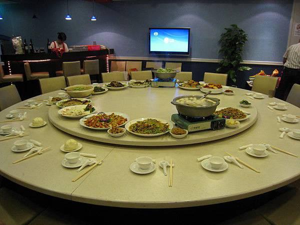 一大桌的菜