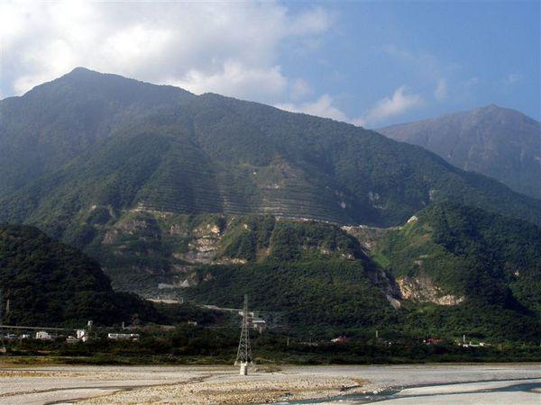 121716花蓮山景.JPG
