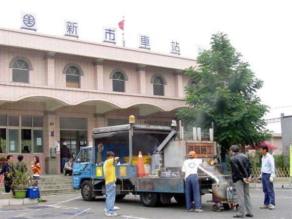 121802台南新市車站.JPG