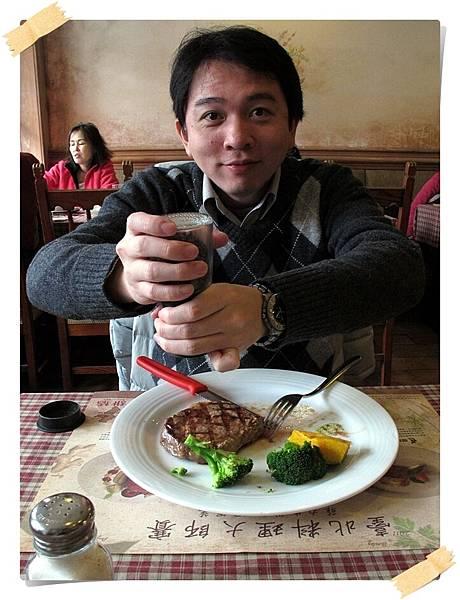 IMG_0705m_蹺小指磨胡椒.JPG