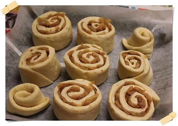 20131229_切等分排烤盤上準備發酵第二次_IMG_1221