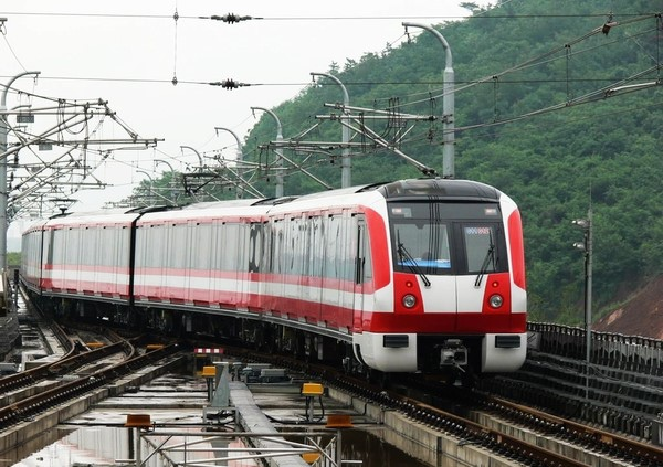 Metro_Train_Line_2.jpg