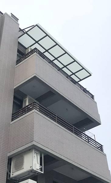 不銹鋼玻璃採光罩  (3).jpg