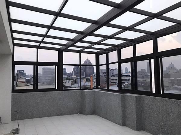 玻璃屋 (1).jpg