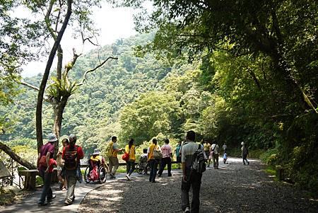 事實上,內洞的無障礙步道興建之後,遊客都比較喜歡走無障礙步道。