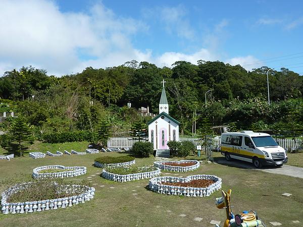P1060598場景區一角,有教堂和愛心.JPG