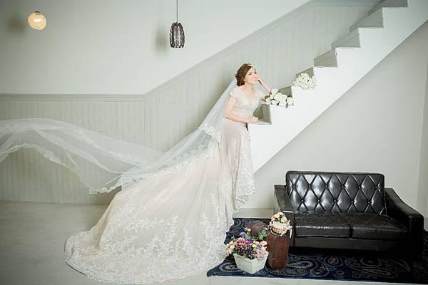 手工禮服 租借@1+1愛的故事館手工婚紗工作室