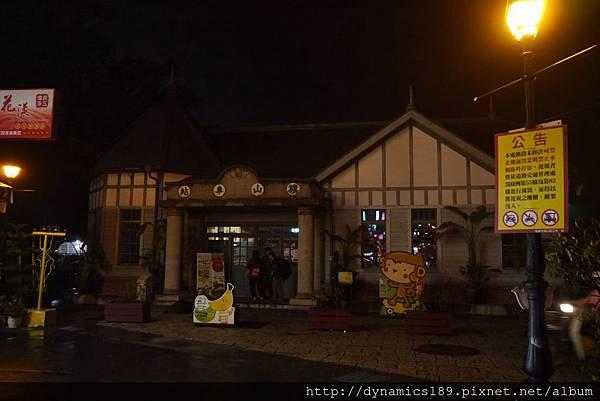 鬼鬼祟祟的阿賀跟旗山車站,這是日本時期拿來運送甘蔗的,跟橋頭糖廠是兄弟站