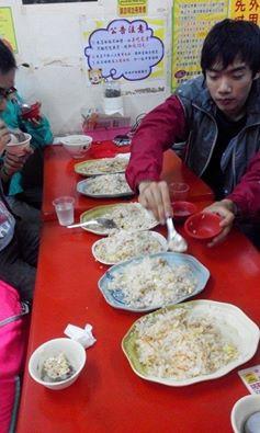 依序是:麻油炒飯,當歸炒飯,鳳梨蝦仁炒飯,紹興炒飯,花雕炒飯,三杯炒飯。
