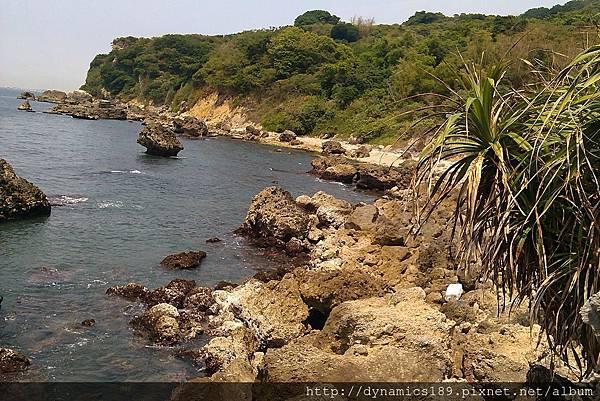 IMAG0489,軍哨站旁的海岸線.jpg