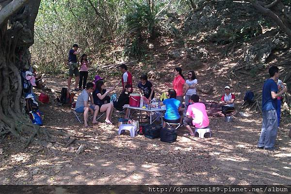 IMAG0503,野餐的人們.jpg