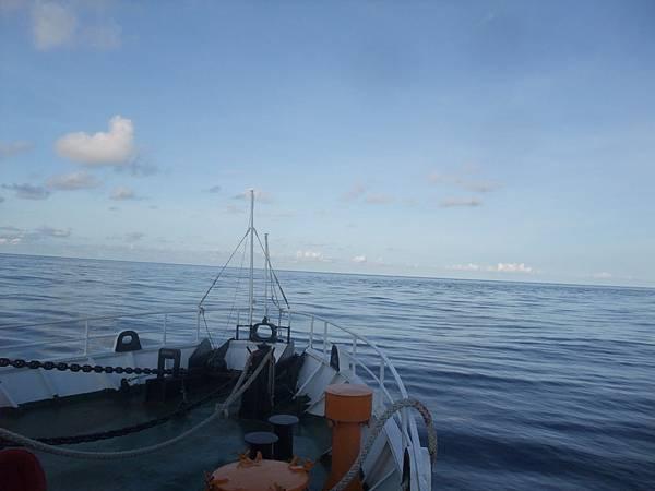 DSCF6768_大海與船艏+.JPG