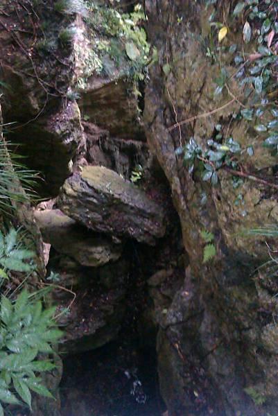 卡在泰國谷的巨石