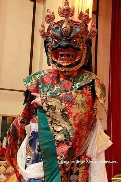 佐欽宮渤仁波切 - 上師金剛舞 (2011)-03.jpg