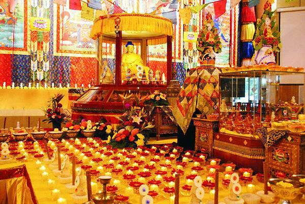 B 祈願法會 莊嚴的會場  ...2 壇城多瑪及供品.JPG