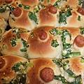 蔥花+熱狗麵包
