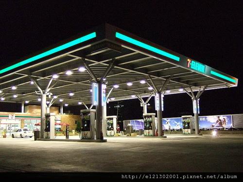 全國第一家的7-ELEVEN, 加油站開幕了!.jpg